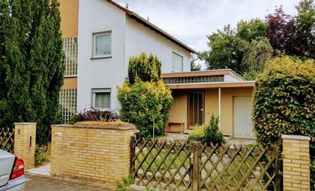 ! Verkauf aus Erbschaft! Großes Einfamilienhaus mit Einliegerwohnung in Mühlheim/ Main-Markwald-