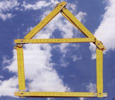 Klein, aber eine bereits vorliegende Bauvoranfrage bestätigt - ein Haus paßt drauf !