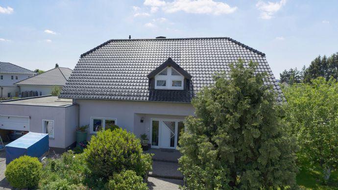 Raumwunder 7 Zimmer großes und gepflegtes EFH mit Garten in Oberhonnefeld-Gierend
