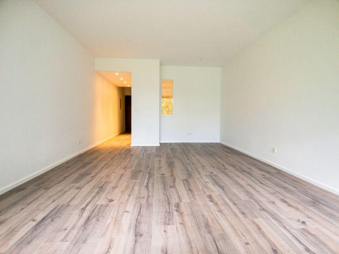 1,5-Zimmer-Wohnung mit offenem Schlafbereich, Küche und Balkon in Unterkirnach