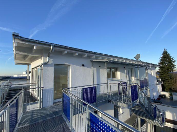 Exklusive Vollklimatisierte 3 Zimmer Penthouse Wohnung in Zentraler Lage mit 2 Terrassen und 1 Stellplatz in Fürth Poppenreuth (WE 11)