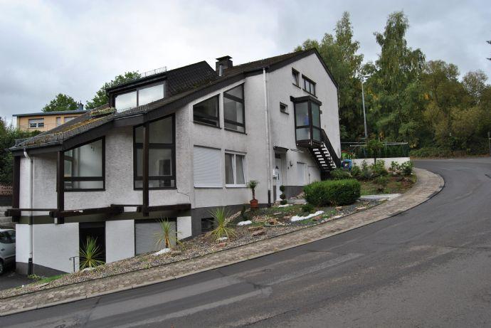 Zweifamilienhaus in zentraler Lage