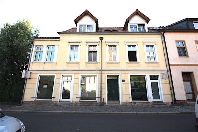 Einmaliges Mehrfamilienhaus mit Gewerbe und mit mittelalterlichen Turm/Remisen!!
