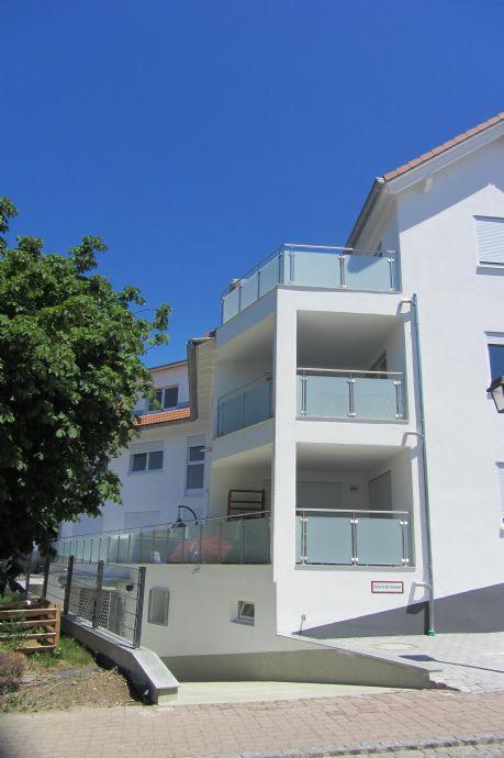 Großzügige und moderne 4,5-Zi.-Neubauwohnung im 1. OG eines 5 Parteien Hauses in ruhiger Lage