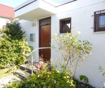 Sehr schöner Gartenhof-Bungalow in ruhiger und bevorzugter Wohnlage von Stuttgart-Riedenberg