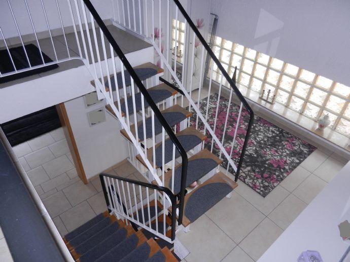 4 Balkone, Garten, Garage und viel Fläche - Attraktive Doppelhaushälfte in Kamp-Lintfort