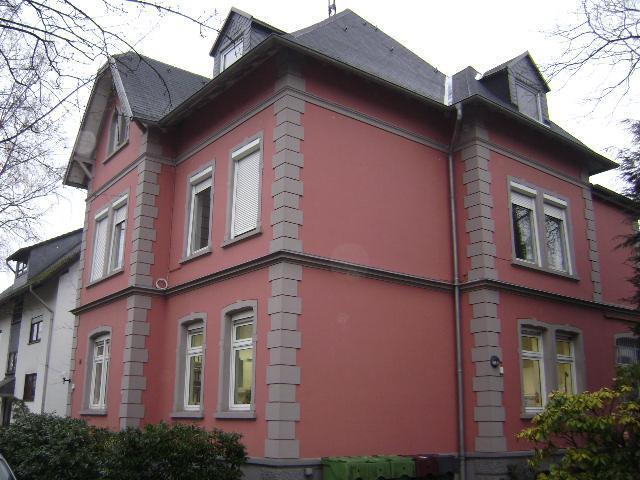 Zentrale großräumige 3 Zimmer Wohnung in Dieringhausen im Obergeschoss mit Gartenanteil