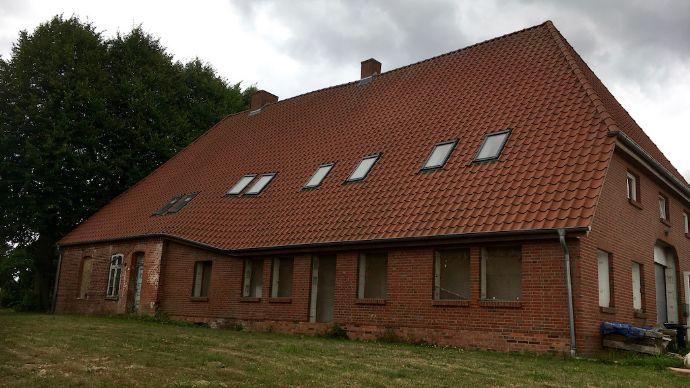 Großes Bauernhaus mit vielen Möglichkeiten !
