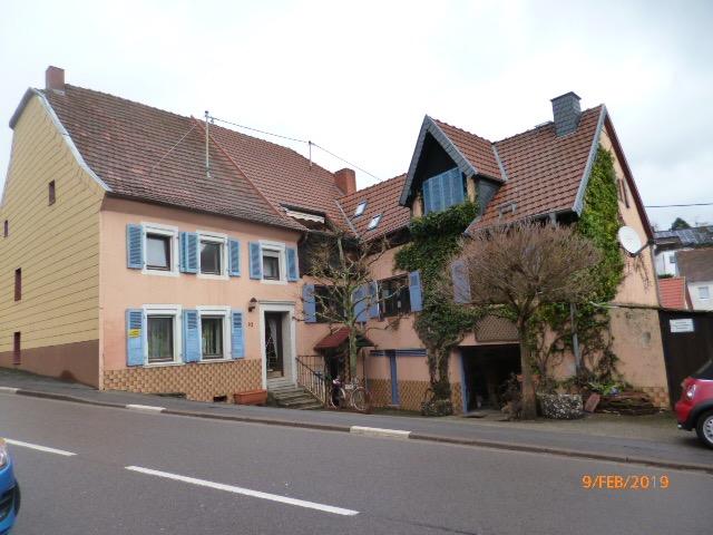 Wannemacher Immobilien **** Wunderschönes Wohlfühlhaus mit viel Potential in Heckendalheim mit Wiesengrundstück ****