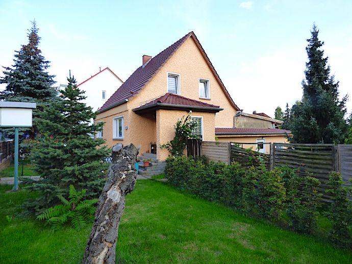 Einfamilienhaus mit viel Potential ! Wohnen und Gewerbe unter einem Dach !