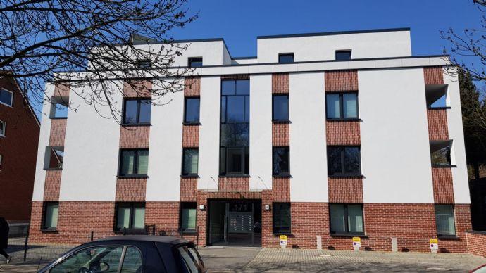 HOLSTEINER TERRASSEN - Eine attraktive, sonnige  3-4 Zi.-Wohnung mit 2 Terrassen in einem Neubau