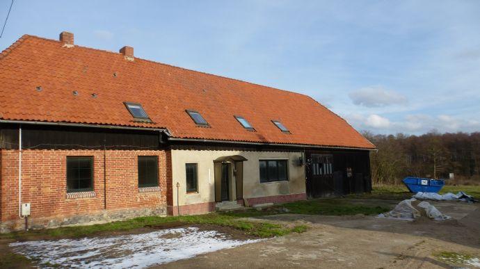 RAIBA IMMO++Ruhe und Natur++Bauernhaus mit Nebengebäude ca. 12 km nördlich von Waren (Müritz)++