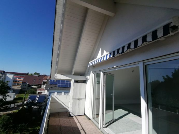 Wohlfühlen und Genießen - Helle Dachterrassen-Wohnung