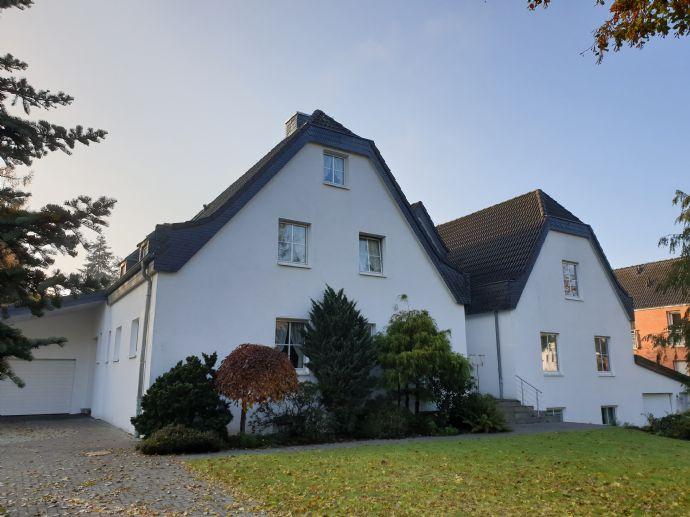 Lage, Lage, Lage; Juwel in Verberg - Villa mit angrenzendem Mehrfamilienhaus