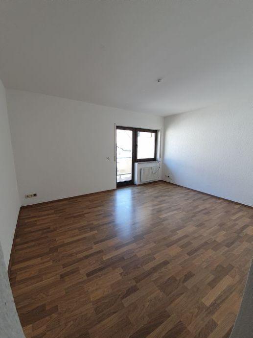 ***Die Gelegenheit***Gemütliche 2 ZKB Wohnung mit 2 Balkonen und PKW-Stellplatz***