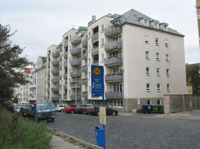 schöne 2-Zi.-Wohnung mit Balkon und Aufzug in Leipzig-Connewitz (A 8)
