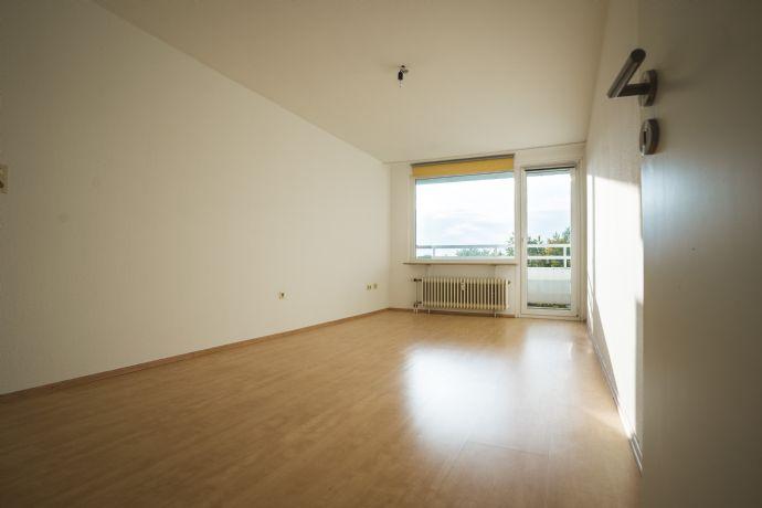schöne 1 Zimmer Wohnung mit Balkon