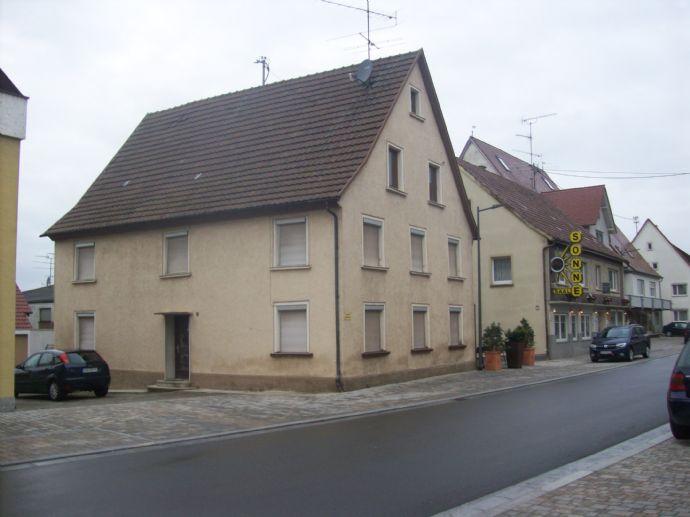 Einfamilienhaus sanierungsbedürftig im Ortskern Hohentengen