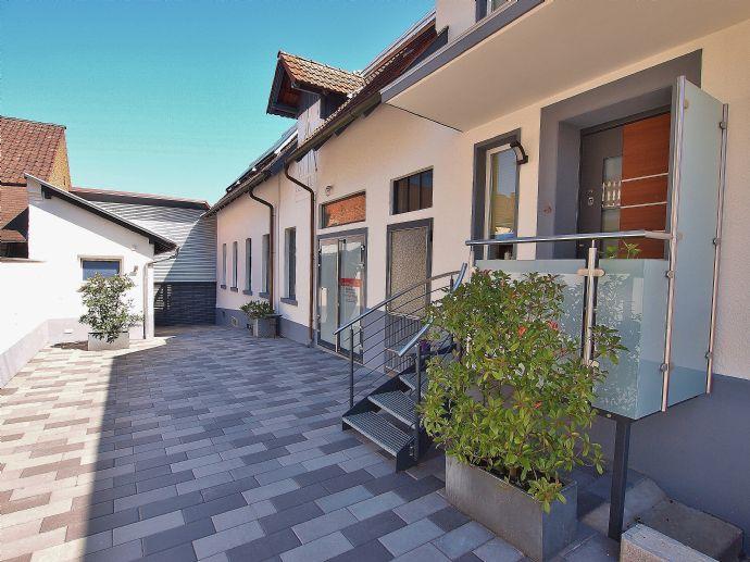 TOP saniertes Wohnhaus mit Gewerbe-Anbau, Scheune und Ausbaureserve