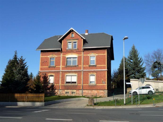 Saniertes 3-Familienhaus für Eigennutzer oder Anleger