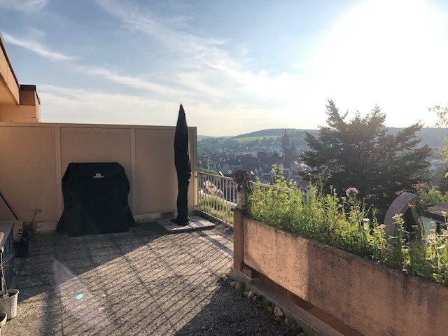 Neuwertige 3 5-Zimmer-Penthouse-Wohnung mit Dachterrasse