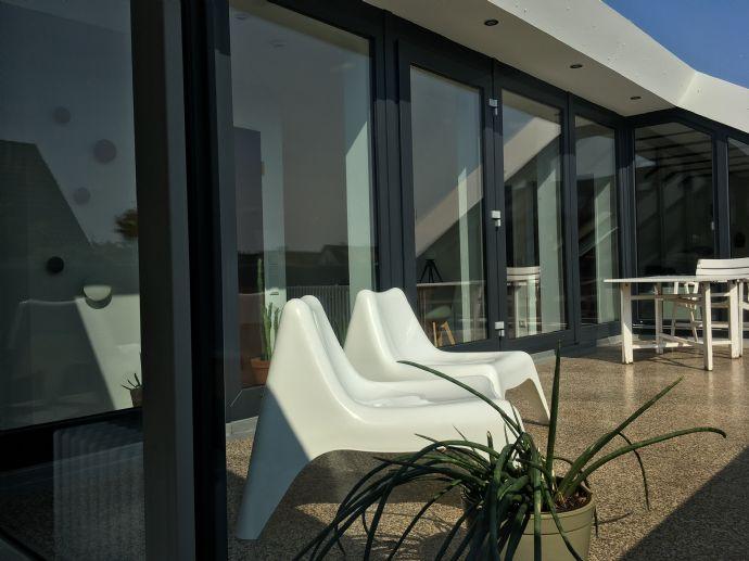 Schön renovierte, möblierte 2,5-Zimmer-Wohnung in Braunschweig Waggum mit riesiger Dachterrasse