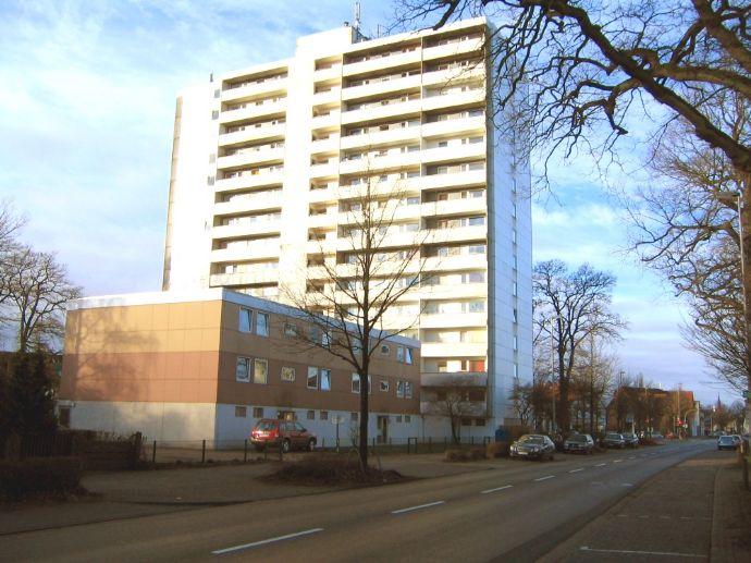 Gepflegte 1 ZKB Wohnung 31,80m² in zentrumsnaher Lage von Delmenhorst! 2 Fahrstühle vorhanden! NUR