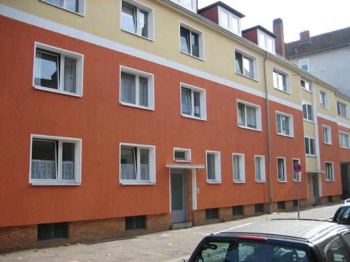 Erstbezug nach Sanierung: Wohnung mit Balkon im ruhigen Teil der Neustadt