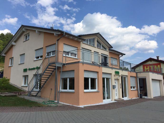 Wohn- und Geschäftshaus in Münsingen. 8 Zimmer auf 240 m², Sauna und riesige 100m² Terrasse. Provisionsfrei