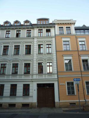 Stilvoll sanierte Wohnung mit Balkon und Stellplatz !!!
