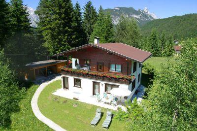 Leutasch Weidach Apartement Romantic in den Bergen im Parterre großzügige Terrasse Liegewiese Garten Carport