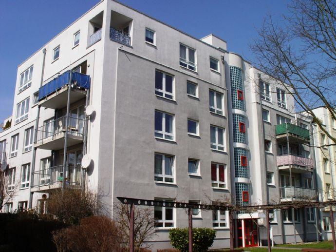 Bonn-Hardtberg, sonnige 3 Zi. Wohnung, Dachterrasse, Balkon, 123qm, TG-Platz, Aufzug