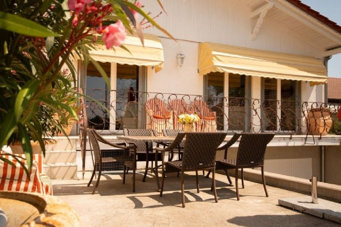 Stadtnahe, kernsanierte, luxuriöse Villa mit einem atemberaubenden Ausblick!