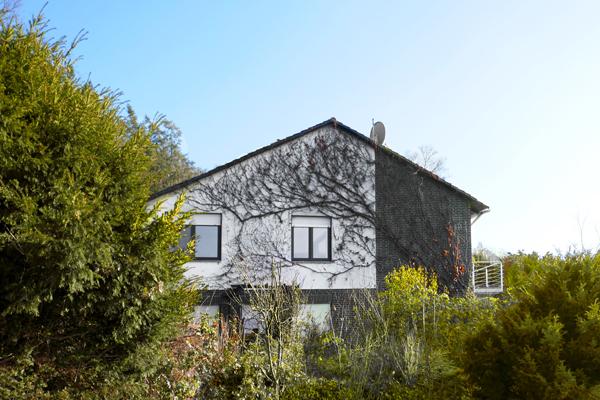 Fuldatal…. Sehr großzügiges, sofort freies Einfamilienhaus mit Einliegerwohnung in Traumlage!