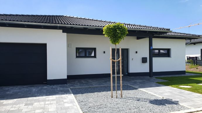 Schlüsselfertiger LuxusBungalow, Neubau in Vilshofen Lindahof