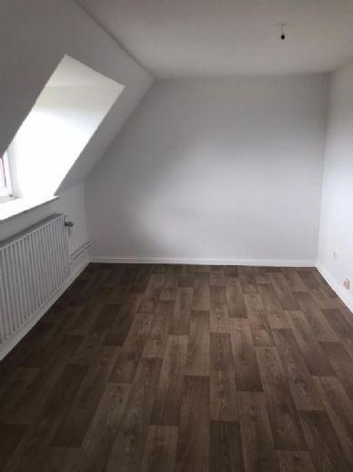++ Renovierte Wohnung in zentraler Lage ++