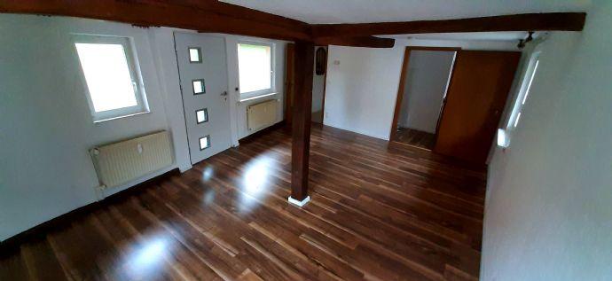 4-Zi.-Altbauwohnung frisch renoviert
