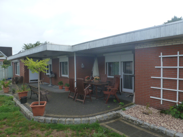 Lamstedt/Cuxhaven - Winkelbungalow in ruhiger Lage mit Sonnenterrasse und Garage zu verkaufen