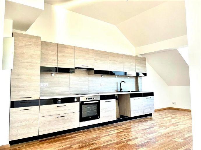 LEHNITZSEE-IMMOBILIEN: DG-Wohnung mit Klima und Dachterrasse