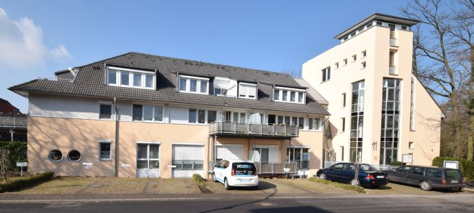 ZU VERMIETEN: Altersgerechte 2-Zimmer-Wohnung (ca. 49,02) im Zentrum von Bad Sassendorf mit Aufzug + Balkon