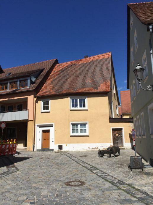 2-3 Fam. Haus Altstadt, Sanierungsgebiet - teilrenoviert - erhöhte Abschreibung