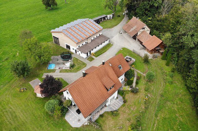 TRAUMHAFTES ANWESEN - Alleinlage zwischen Wangen und Lindau mit 7 ha Grund...
