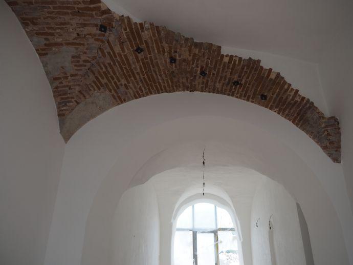 Einmalige und exklusive Wohnung mit Kreuzgewölbe im Klosterhof in Zell a. Main inkl. hochwertiger E