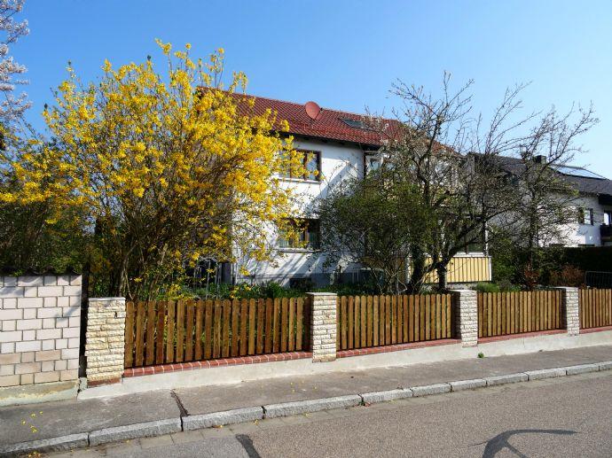 Provisionsfrei! Traumhaftes EFH / Mehrgenerationenhaus mit großem Garten